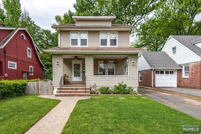 Hackensack Single Family Home For Sale: 165 Poplar Avenue