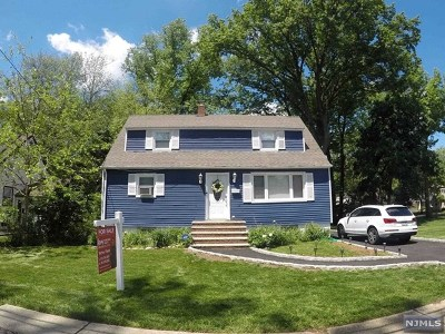 Teaneck Single Family Home For Sale: 65 Irvington Road