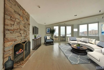 Weehawken NJ Condo/Townhouse For Sale: $729,000