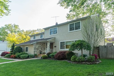 Teaneck Single Family Home For Sale: 852 Columbus Drive