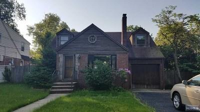 Leonia Single Family Home For Sale: 107 Broad Avenue