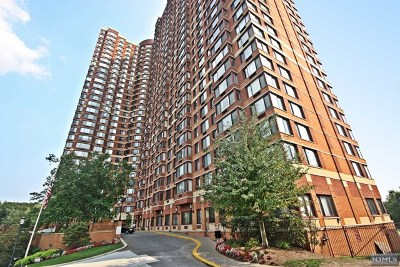 Fort Lee Condo/Townhouse For Sale: 100 Old Palisade Road #1004