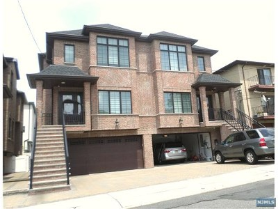 Palisades Park Condo/Townhouse For Sale: 31 West Ruby Avenue #B