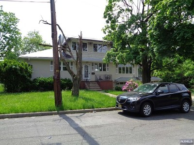 Hackensack Single Family Home For Sale: 220 Hopper Street
