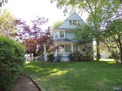 Single Family Home For Sale: 123 Clarendon Place