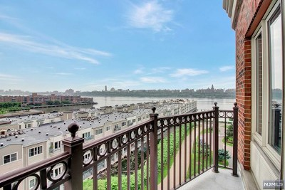 Edgewater Condo/Townhouse For Sale: 3520 City Place