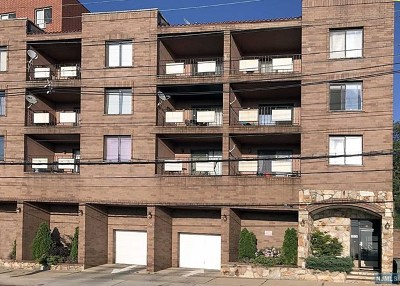 North Bergen Condo/Townhouse For Sale: 1906 Paterson Plank Road #3a
