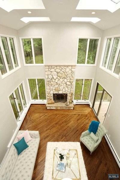 Ridgewood Single Family Home For Sale: 21 Henrietta Court