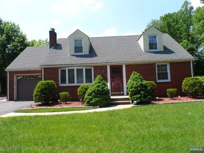 Paramus Single Family Home For Sale: 65 Spring Valley Road