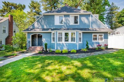 Teaneck Single Family Home For Sale: 199 Colonial Court