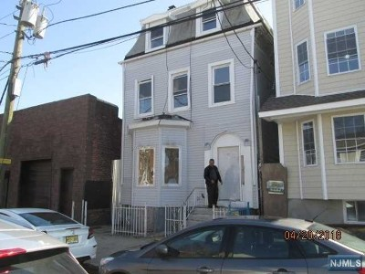Newark NJ Multi Family 2-4 For Sale: $209,900