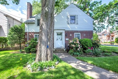 Fort Lee Single Family Home For Sale: 60 McElroy Avenue