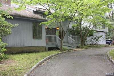 Franklin Lakes Single Family Home For Sale: 768 Phelps Road