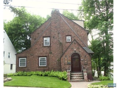 Teaneck Single Family Home For Sale: 584 Cumberland Avenue