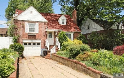 Englewood Single Family Home For Sale: 283 Murray Avenue