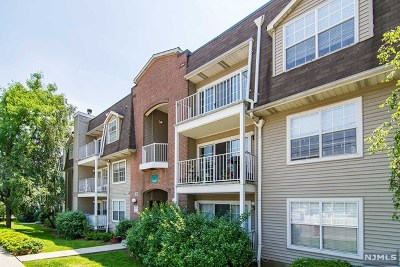 Edgewater Condo/Townhouse For Sale: 38 Garden Place #113