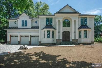 Demarest Single Family Home For Sale: 4 Village Court