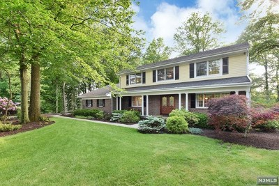 Franklin Lakes Single Family Home For Sale: 758 Natures Way