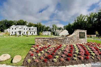 Montvale Single Family Home For Sale: 23 Flintlock Road