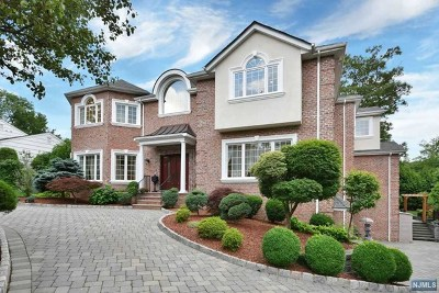 Englewood Cliffs Single Family Home For Sale: 22 Van Wagoner Drive