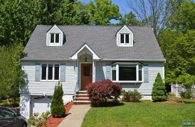 Oakland Single Family Home For Sale: 29 Pawnee Avenue