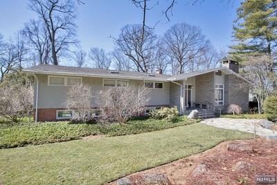 Tenafly Single Family Home For Sale: 192 Stonehurst Drive