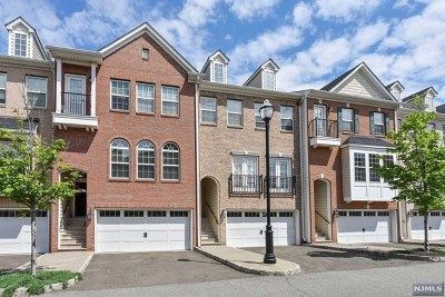 Secaucus Condo/Townhouse For Sale: 3 Creekside Court