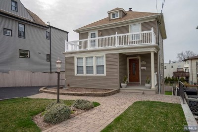 Secaucus Single Family Home For Sale: 1119 Stonewall Lane