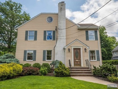 Glen Rock Single Family Home For Sale: 8 Warren Place