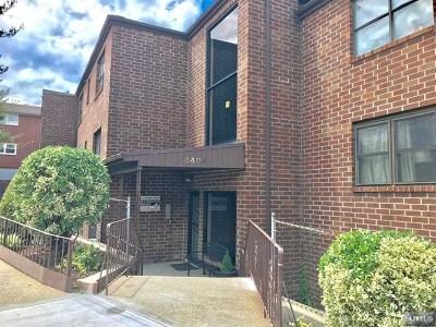 North Bergen Condo/Townhouse For Sale: 6409 Granton Avenue #2a