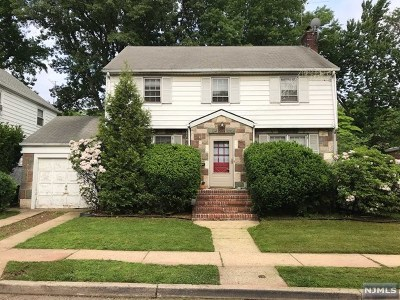 Teaneck Single Family Home For Sale: 1007 Haddon Place