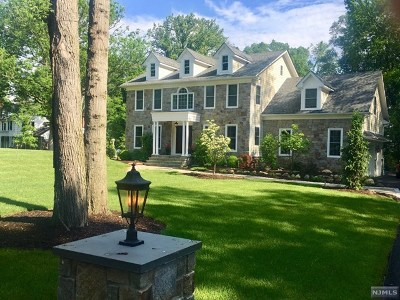 Upper Saddle River Single Family Home For Sale: 107 Lake Street