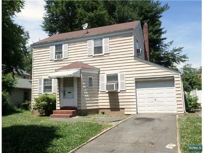 Teaneck Single Family Home For Sale: 111 Blauvelt Street