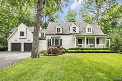 Tenafly Single Family Home For Sale: 8 North Brae Court