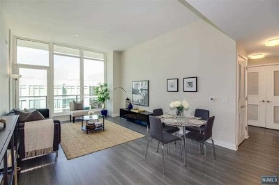 Weehawken Condo/Townhouse For Sale: 1200 Ave At Port Imperial #703