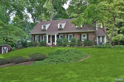 Saddle River Single Family Home For Sale: 29 Locust Lane