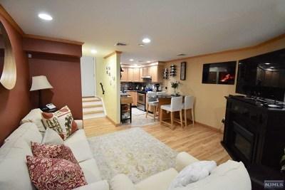 Fairview Condo/Townhouse For Sale: 622 Fairview Avenue #4