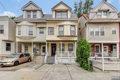 Jersey City Single Family Home For Sale: 261 Arlington Avenue