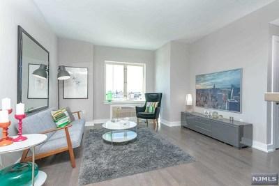 Union City Condo/Townhouse For Sale: 3312 Hudson Avenue #7l