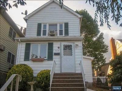 Palisades Park Single Family Home For Sale: 213 Glen Avenue