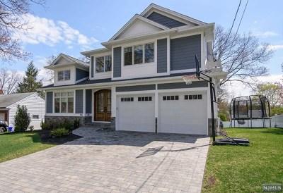 Cresskill Single Family Home For Sale: 142 Heatherhill Road