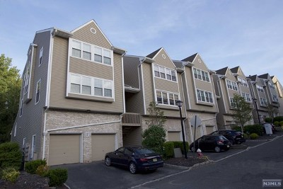 Palisades Park Condo/Townhouse For Sale: 591 Windsor Drive