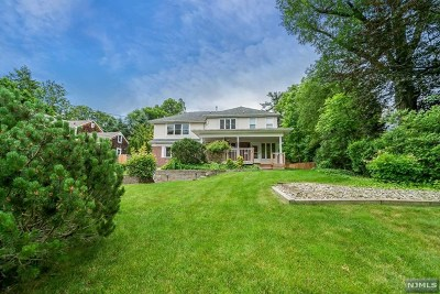 Tenafly Single Family Home For Sale: 54 Sherwood Road