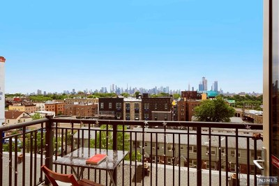 Union City Condo/Townhouse For Sale: 3312 Hudson Avenue #4f
