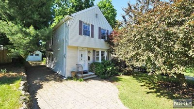 Englewood Single Family Home For Sale: 198 Everett Place