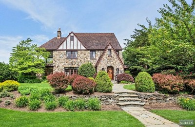 Ridgewood Single Family Home For Sale: 460 Knollwood Road