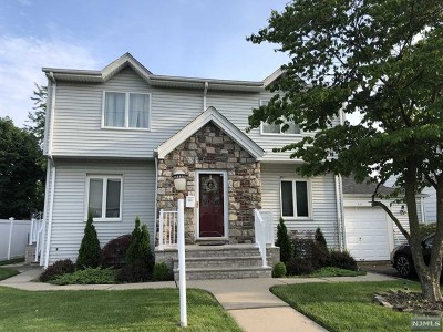 Saddle Brook Single Family Home For Sale: 66 Strathmore Terrace