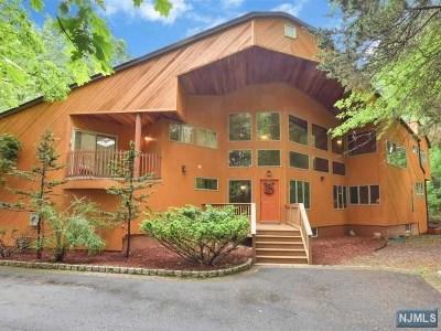 Franklin Lakes NJ Single Family Home For Sale: $1,299,000