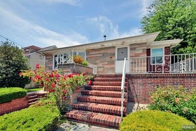 Fort Lee Single Family Home For Sale: 1047 Inwood Terrace