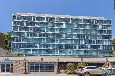 Edgewater Condo/Townhouse For Sale: 100 Thompson Lane #4a